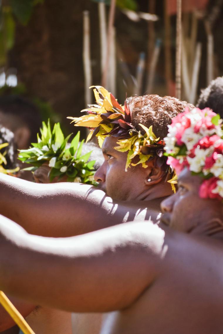 Concentration pour le lancer de javelot, un sport traditionnel polynésien