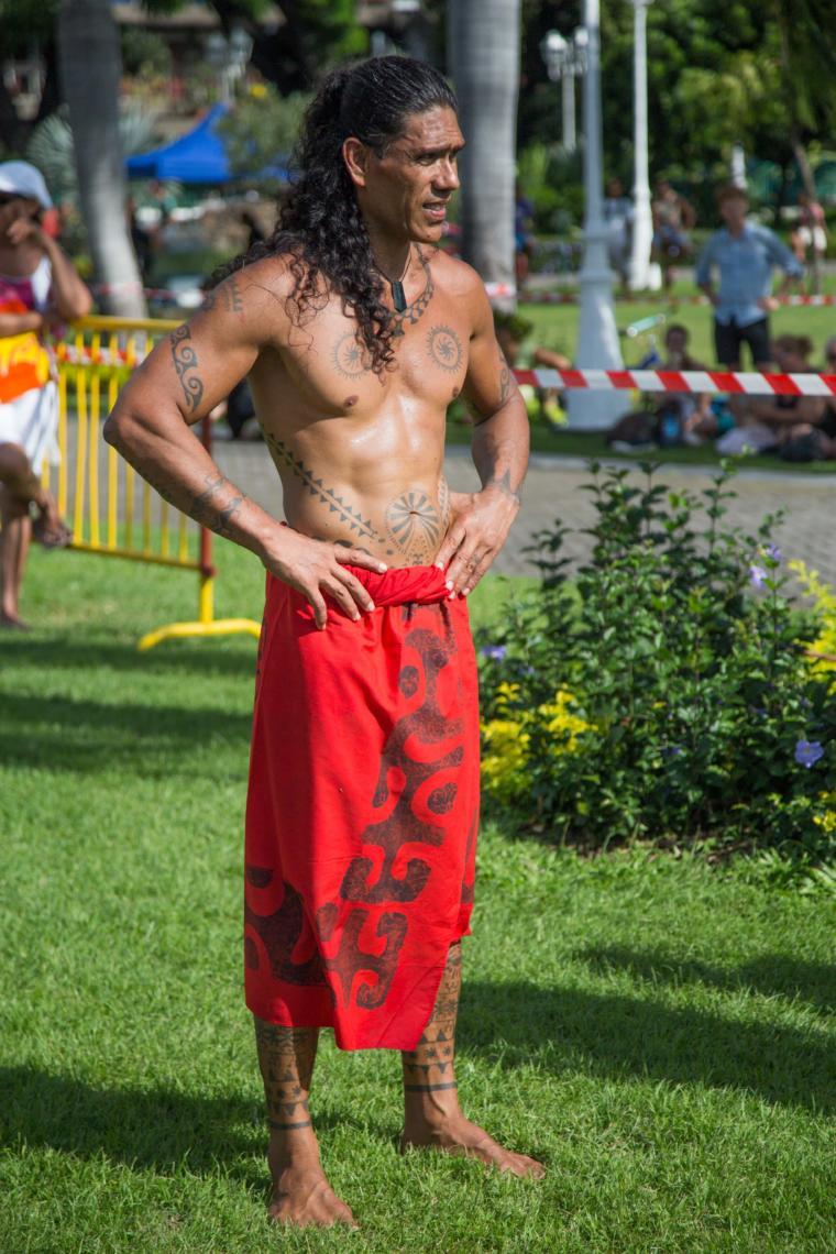 Athlète pour les courses de porteurs de fruits, un sport traditionnel polynésien