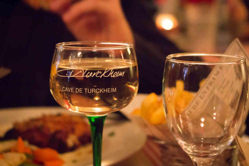 Gewurztraminer dans un winstub (restaurant typique alsacien) de Strasbourg