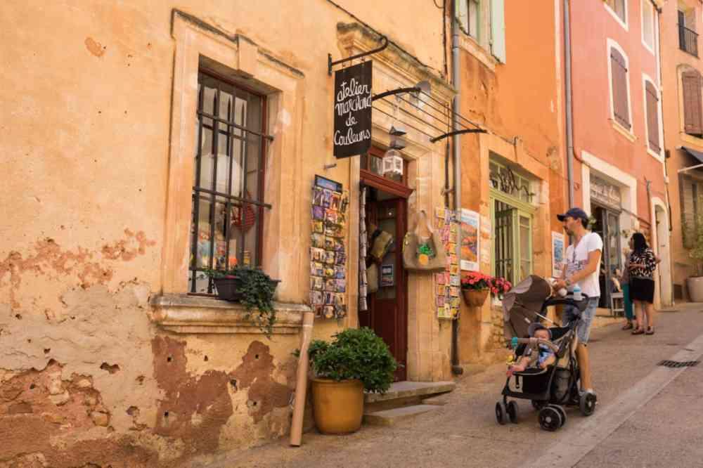 Le village de Roussillon pour un week-end dans le Luberon