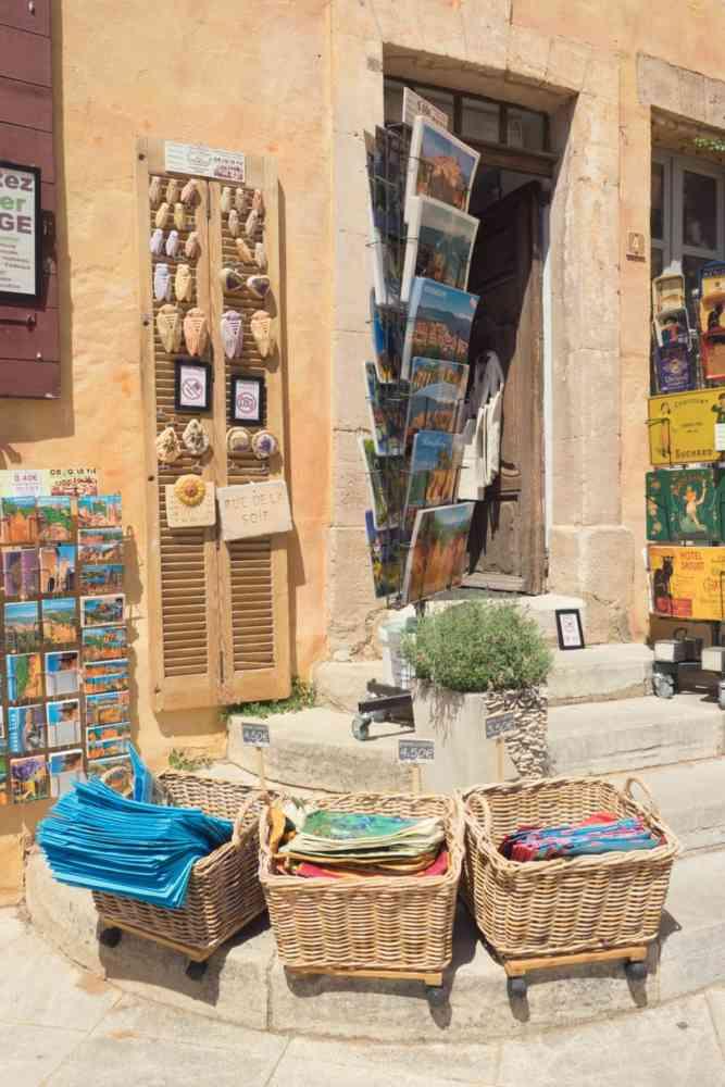 Le village de Roussilon pour un week-end dans le Luberon