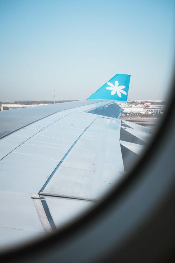 "Aile d'un avion Air Tahiti Nui, ""la compagnie au tiare"""