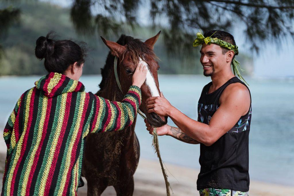 Le vainqueur de la course de chevaux 2019 de Rurutu, archipel des Australes, Polynésie française