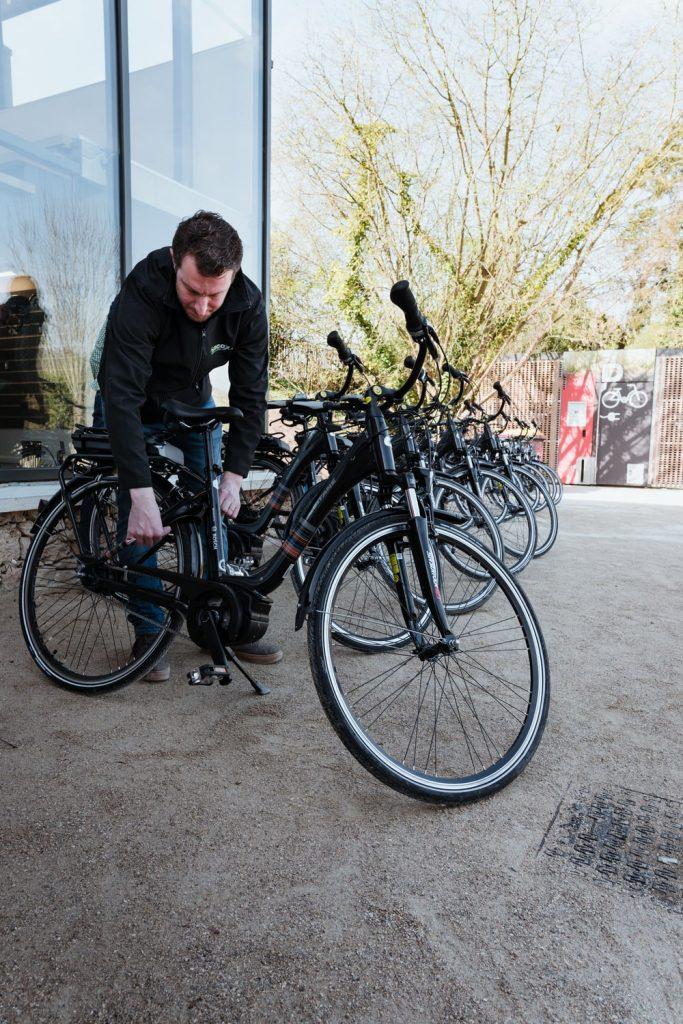 Location de vélos électriques grâce ECOX Haute Vallée de Chevreuse pour du cyclotourisme - Idée de week-end nature en Île-de-France