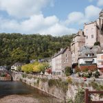 Estaing, village de la vallée du Lot en Aveyron